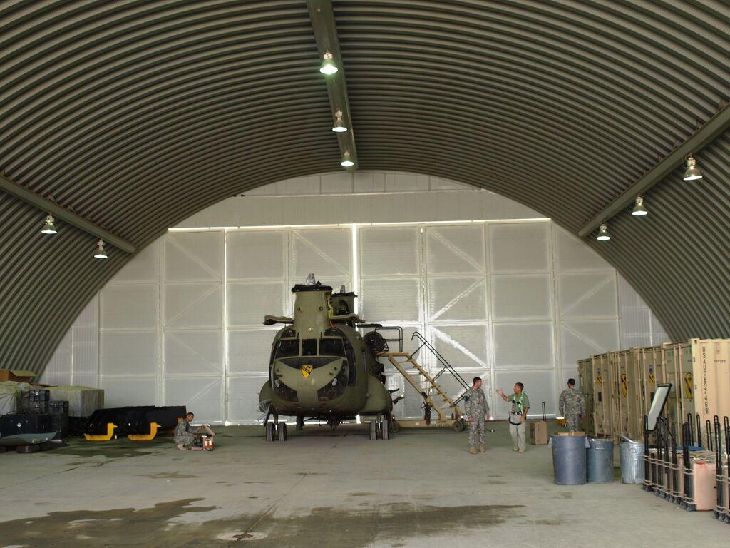 Helikopter Hangarı